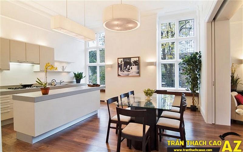 Trần thạch cao phòng bếp tạo không khí thoáng, mát, dễ chịu cho những bữa ăn ngon của gia đình