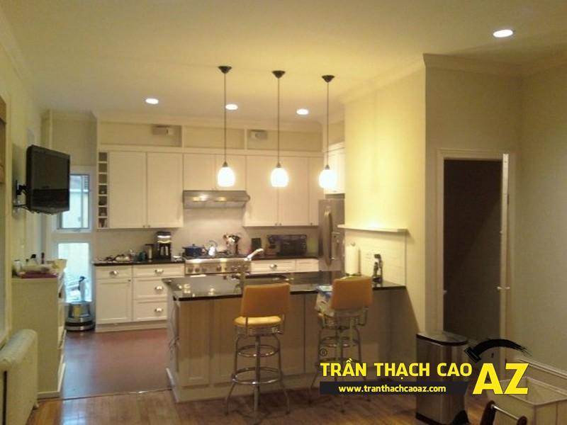 Thiết kế phòng bếp đẹp với trần thạch cao đơn giản, hiện đại theo phong cách Châu Âu