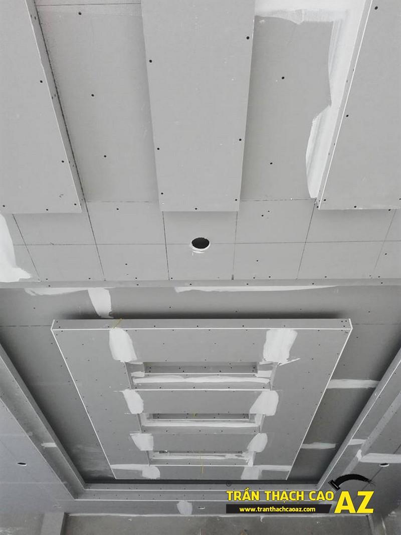 Hoàn thiện trần thạch cao phòng khách đẹp ấn tượng nhà anh Long 01