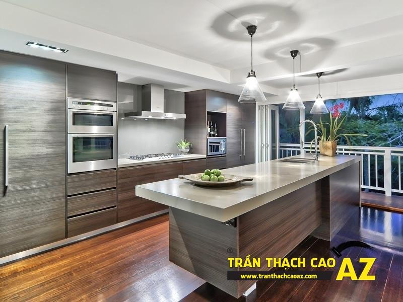 Thiết kế nội thất phòng bếp đẹp hiện đại, an toàn nhờ tạo hình trần thạch cao chịu ẩm 01