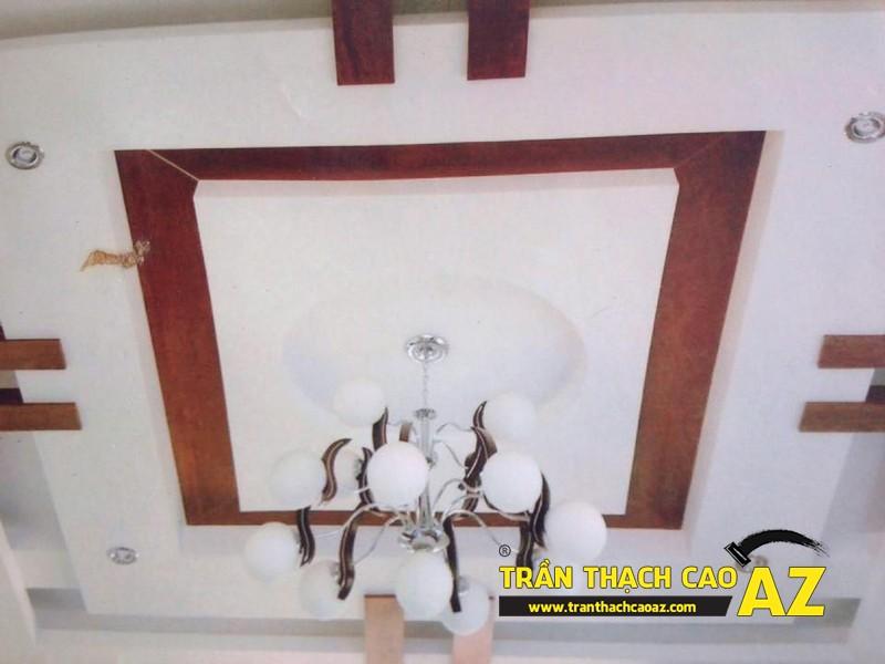 Ngắm tạo hình trần thạch cao phòng khách thoe kiểu trần giật cấp đẹp hiện đại nhà chú Hải 03