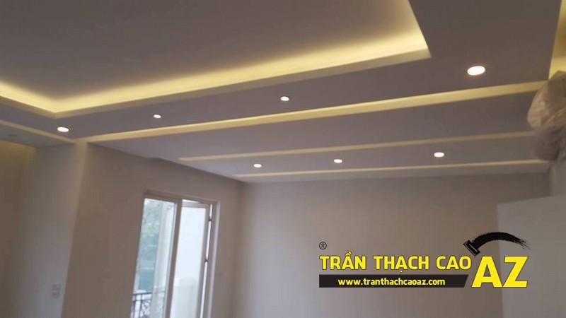 Trần thạch cao phòng khách rộng với tạo hình nhiều tầng bậc nhà anh Vinh 02