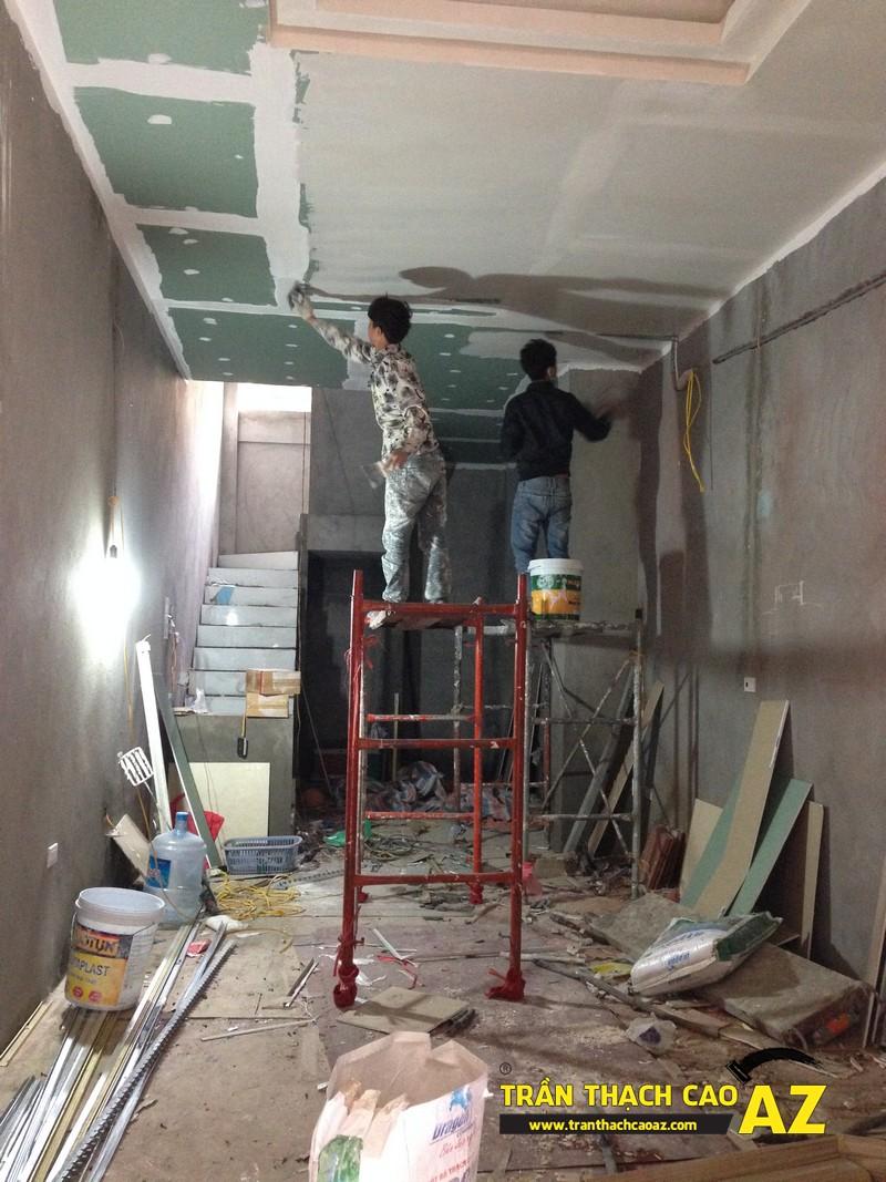 Thi công sơn bả matit trần thạch cao phòng bếp nhà anh Nhâm 07