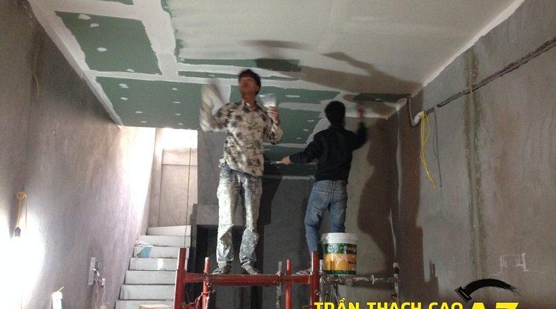 Thi công sơn bả matit trần thạch cao phòng bếp nhà anh Nhâm đường An Dương, Yên Phụ