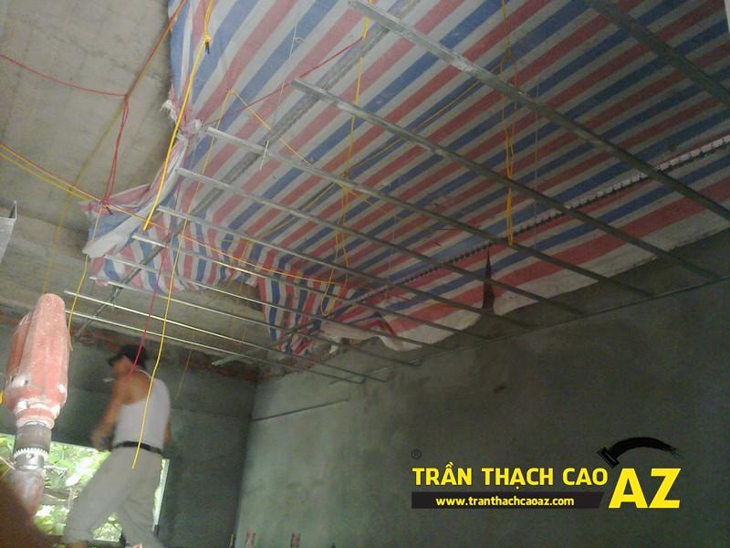 Thi công trần thạch cao nhà anh Tiến tại Thái Thịnh, Đống Đa, Hà Nội