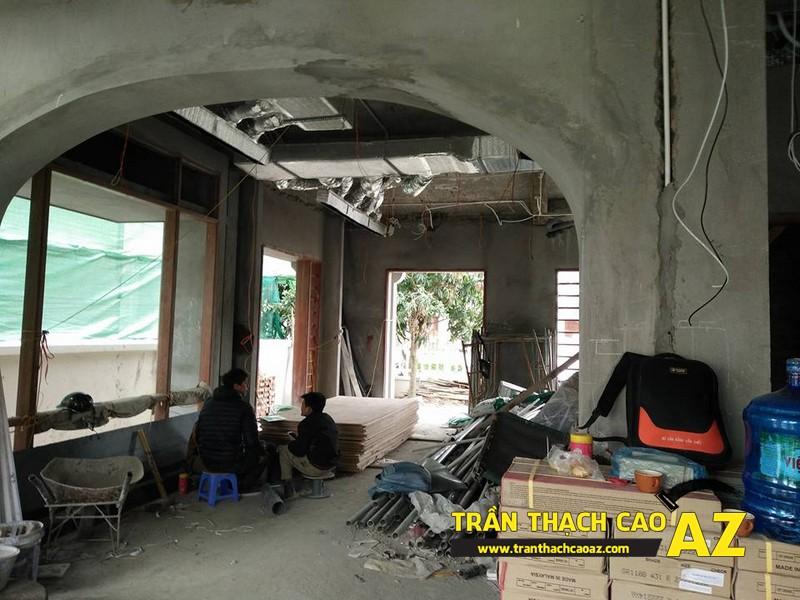 Thi công trần thạch cao biệt thự phòng khách nhà chú Đại 01