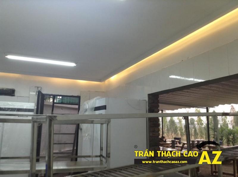 Thiết kế trần thạch cao đẹp sang trọng, hiện đại cho không gian nhà hàng của anh Việt 01