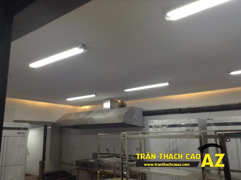 Thiết kế trần thạch cao đẹp sang trọng, hiện đại cho không gian nhà hàng của anh Việt 03