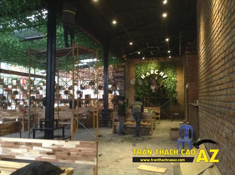 Thiết kế trần thạch cao đẹp sang trọng, hiện đại cho không gian nhà hàng của anh Việt 04