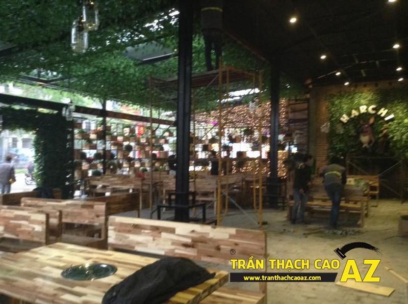 Thiết kế trần thạch cao đẹp sang trọng, hiện đại cho không gian nhà hàng của anh Việt 05