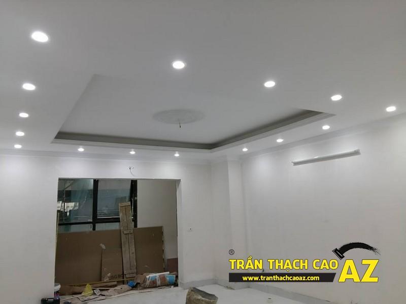 Thiết kế trần thạch cao phòng khách đẹp hiện đại nhà chú Hòa 05