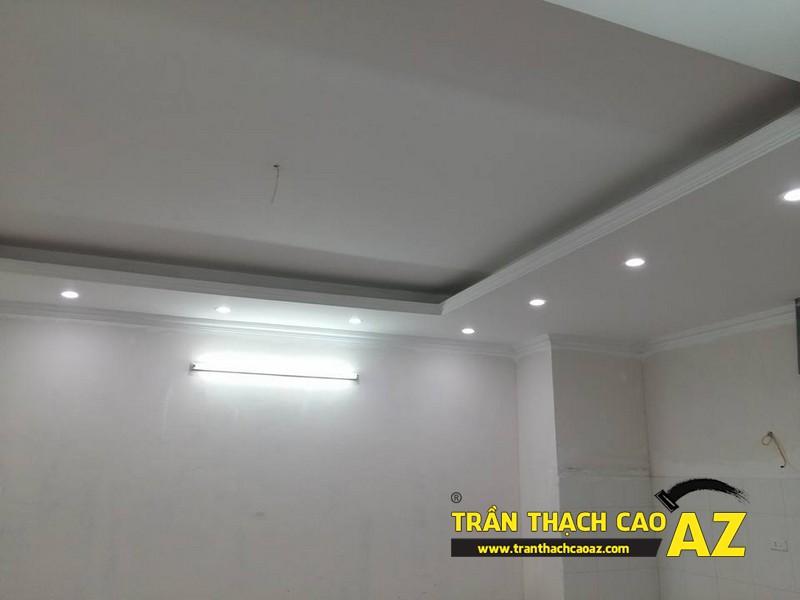Thiết kế trần thạch cao phòng khách đẹp hiện đại nhà chú Hòa 03