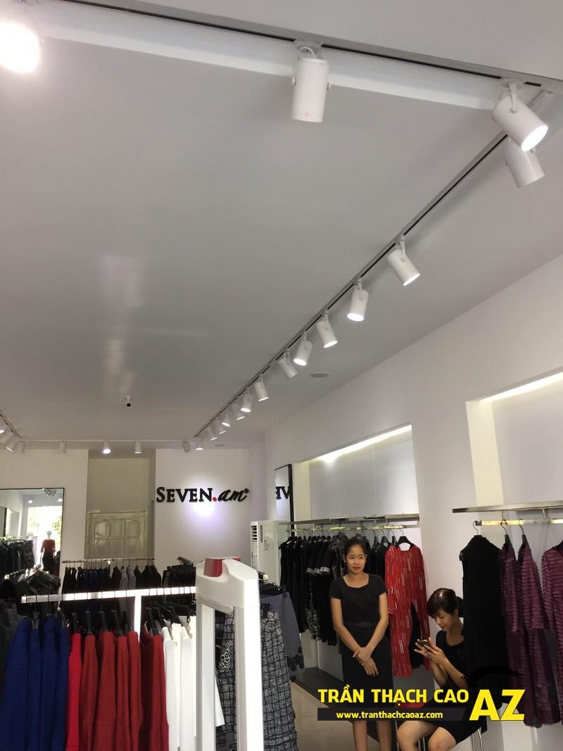 Thiết kế trần thạch cao shop đẹp đẳng cấp của cửa hàng Seven.am Hà Nam 04