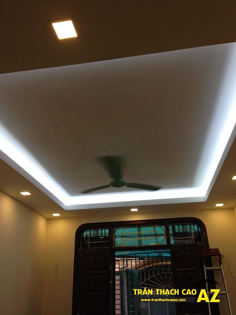 Trần thạch cao phòng khách nhà ống đẹp đơn giản nhà nhà anh Long 05