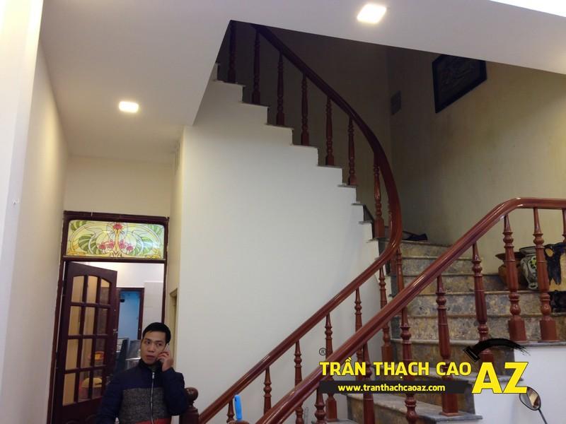 Trần thạch cao phòng khách nhà ống đẹp đơn giản nhà nhà anh Long 08