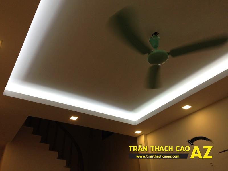 Thiết kế trần thạch cao phòng khách theo kiểu trần giật cấp nhà anh Tài 02