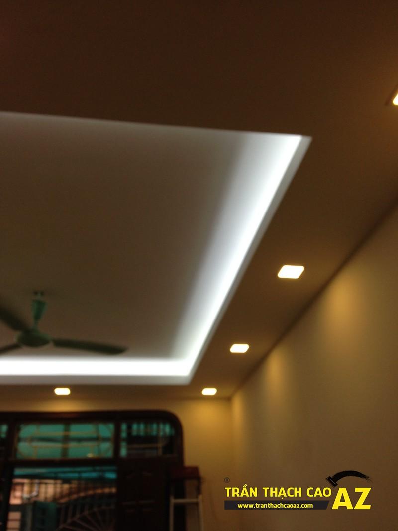Thiết kế trần thạch cao phòng khách theo kiểu trần giật cấp nhà anh Tài 04