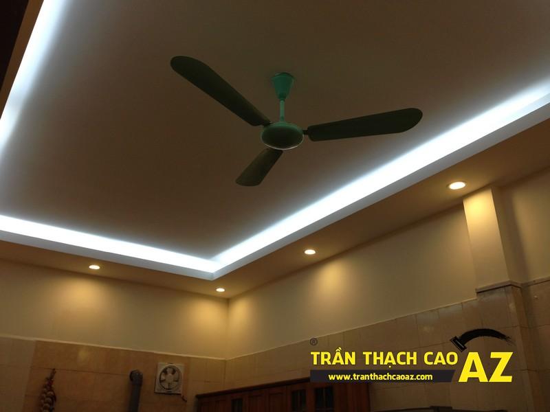Thiết kế trần thạch cao phòng bếp theo kiểu trần giật cấp nhà anh Tài 02