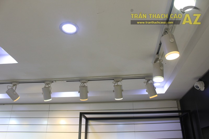 Aristino lịch lãm, hiện đại nhờ mẫu trần thạch cao shop đẹp ở Phạm Ngọc Thạch - 04
