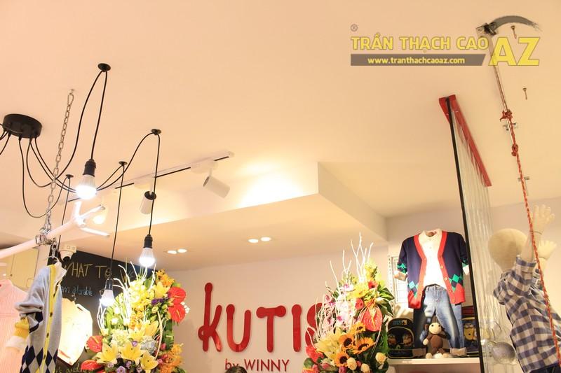 Cách bố trí đèn trần thạch cao đẹp độc đáo của shop KUTIE BY WINNY Phạm Ngọc Thạch - 03
