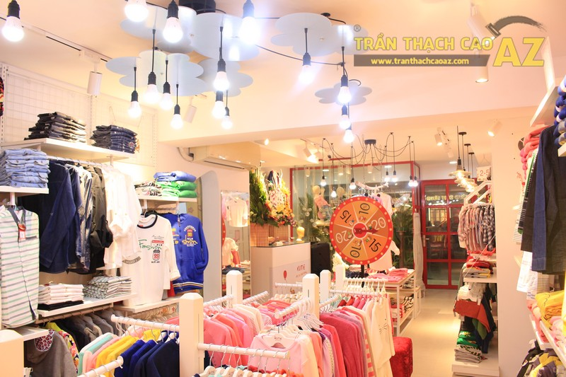 Cách bố trí đèn trần thạch cao đẹp độc đáo của shop KUTIE BY WINNY Phạm Ngọc Thạch - 04