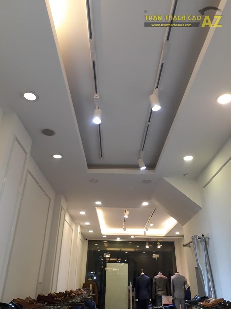 Cách kết hợp hình khối độc đáo, đơn giản ở trần thạch cao shop đẹp của DEZI, 169 Chùa Bộc - 04