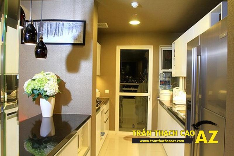 Một góc phòng bếp tại căn hộ trước đây Cao Thái Sơn từng sống cùng mẹ