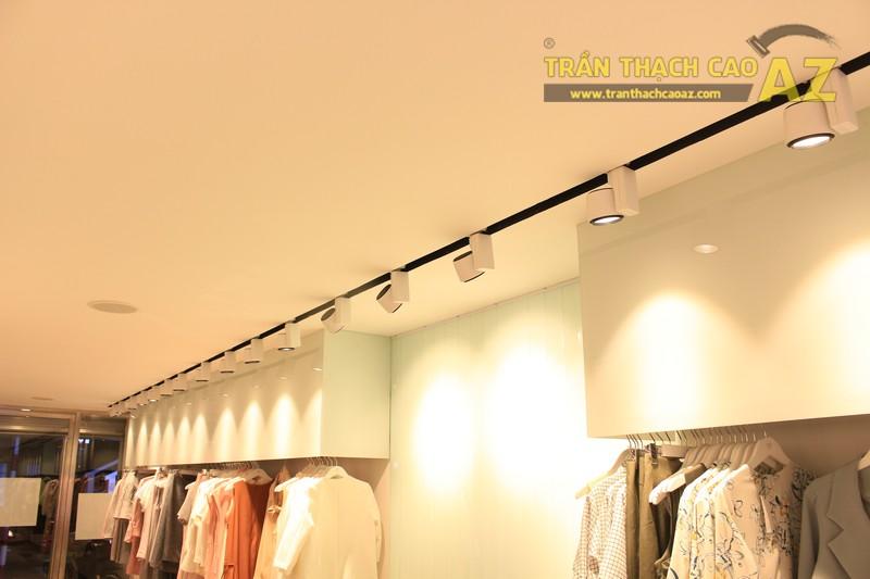Everluxe Hà Nội sang trọng với cách phối màu trần thạch cao shop đẹp xuất sắc - 04