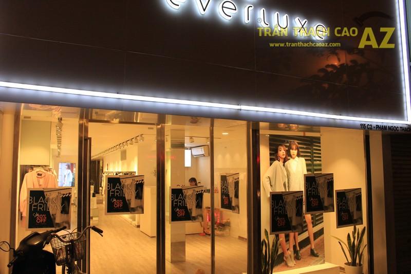 Everluxe Hà Nội sang trọng với cách phối màu trần thạch cao shop đẹp xuất sắc - 06