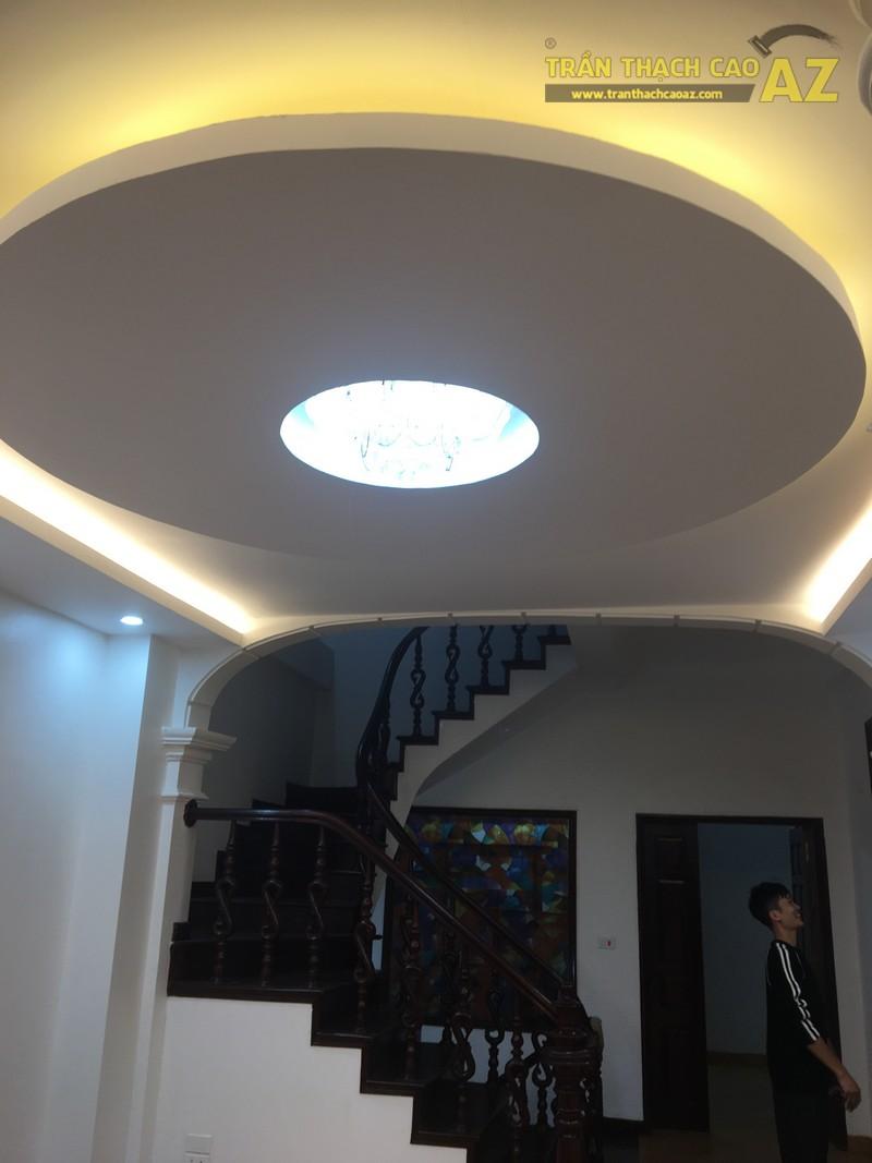 Thiết kế trần thạch cao phòng khách đẹp hiện đại của gia đình anh Bảy - 05