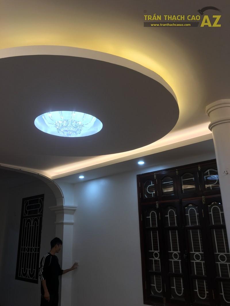 Thiết kế trần thạch cao phòng khách đẹp hiện đại của gia đình anh Bảy - 02