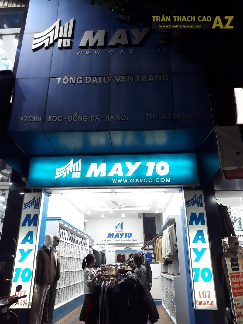 Mẫu trần thạch cao đẹp lịch lãm của shop thời trang May 10 tại 197 Chùa Bộc - 06