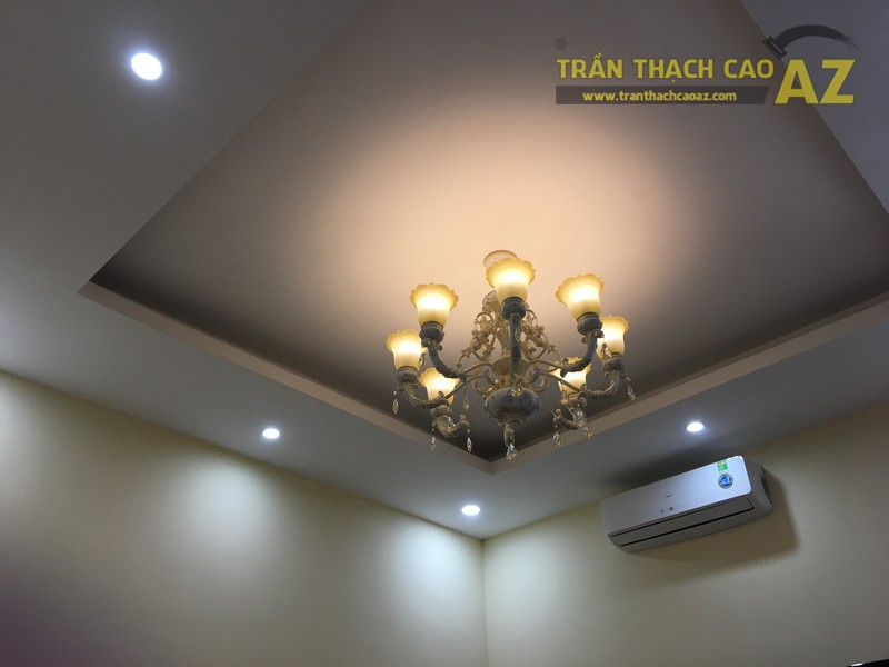 Nét cổ điển pha lẫn hiện đại đẹp mê hồn của mẫu trần thạch cao phòng khách nhà anh Long - 01