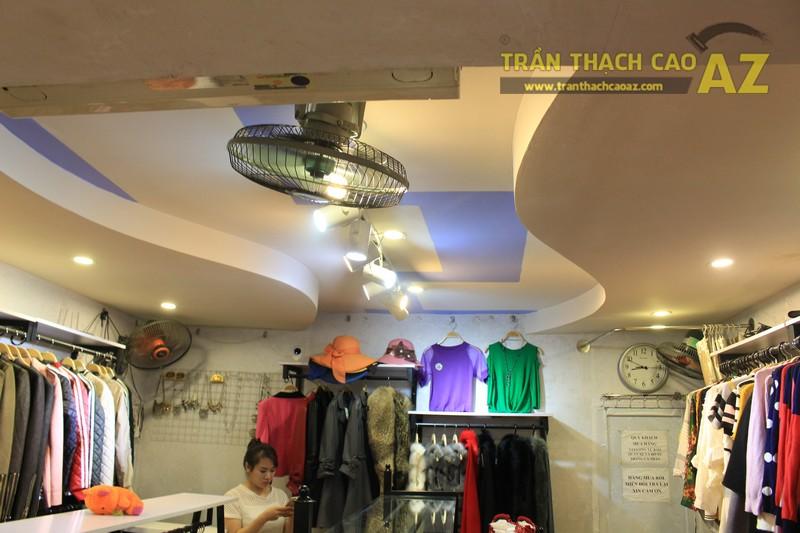 """""""Phiêu"""" cùng mẫu trần thạch cao cửa hàng bán buôn, bán lẻ quần áo thời trang trên phố chùa Bộc"""