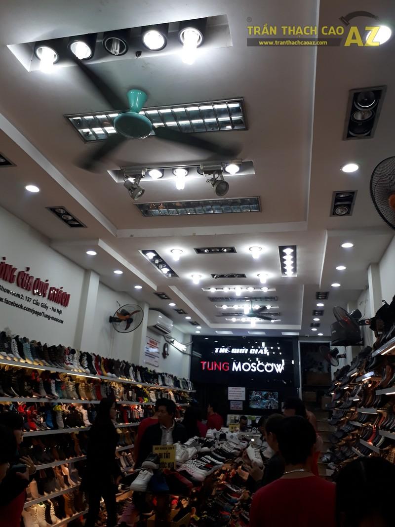 Shop giày Tùng Moscow hút khách nhờ thiết kế trần thạch cao đẹp ấn tượng - 01