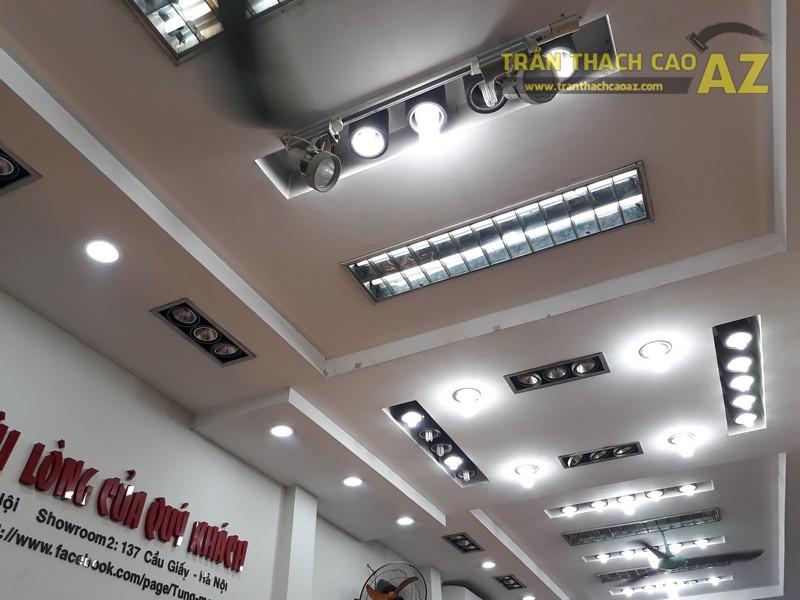 Shop giày Tùng Moscow hút khách nhờ thiết kế trần thạch cao đẹp ấn tượng - 04