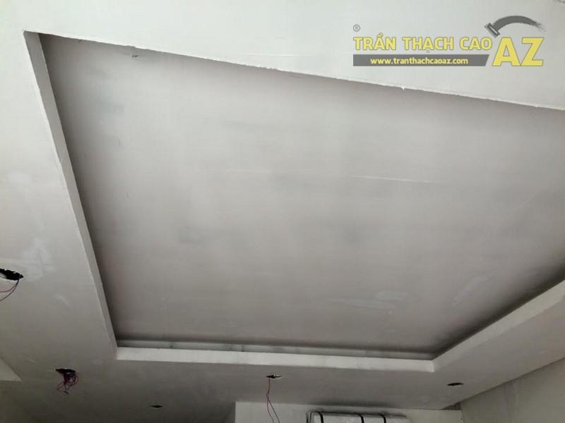Hoàn thiện thi công trần thạch cao phòng khách nhà ống của gia đình anh Nam - 03