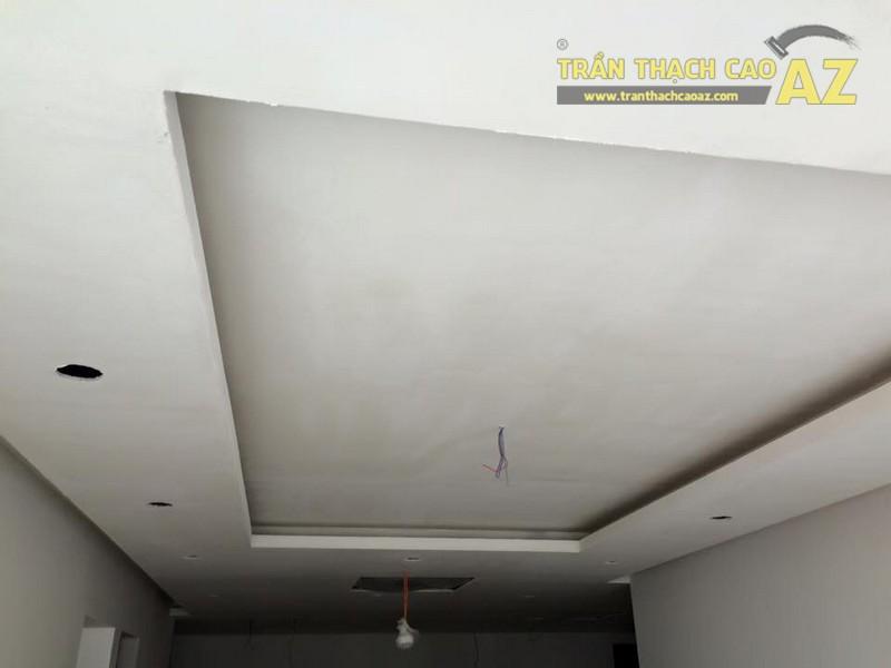 Hoàn thiện thi công trần thạch cao phòng khách nhà ống của gia đình anh Nam - 02