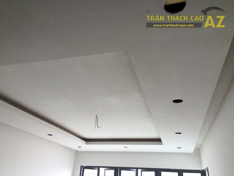 Hoàn thiện thi công trần thạch cao phòng khách nhà ống của gia đình anh Nam - 05