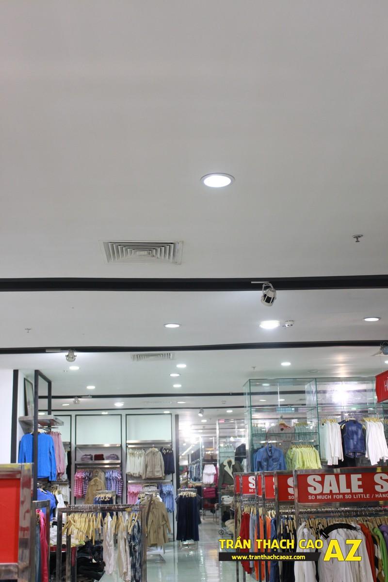 Thi công trần thạch cao cho cửa hàng thời trang tại trung tâm thương mại Royal City
