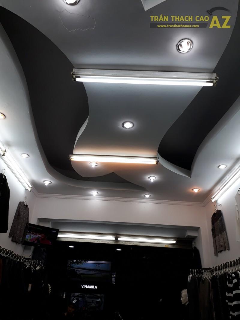 Cận cảnh thiết kế trần thạch cao đẹp cực cá tính của shop MEN's Jean, 209 Chùa Bộc - 03