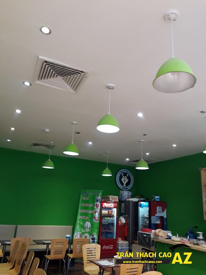 Thiết kế trần thạch cao đẹp đơn giản của Si Sóc Cafe Fastfood tại Royal City 01