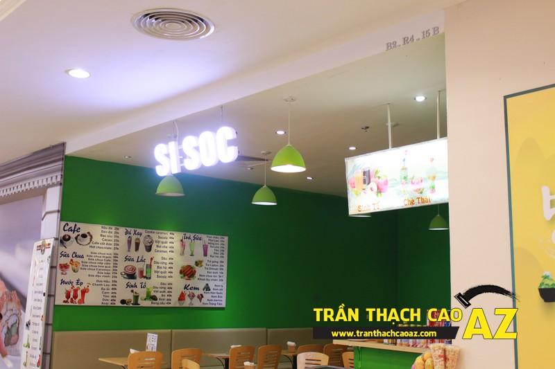 Thiết kế trần thạch cao đẹp đơn giản của Si Sóc Cafe Fastfood tại Royal City 03