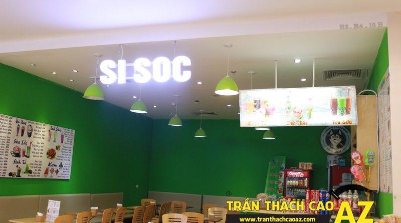 Thiết kế trần thạch cao đẹp đơn giản của Si Sóc Cafe Fastfood tại Royal City