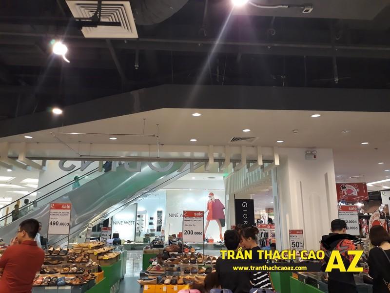 Thiết kế trần thach cao đẹp hiện đại của shop thể thao SuperSports tại Royal City 03