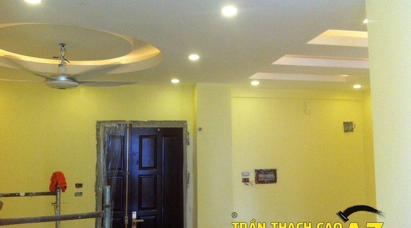 Cận cảnh thiết kế trần thạch cao phòng khách đẹp lung linh nhà anh Thành, P.807, tòa A6A, Nam Trung Yên