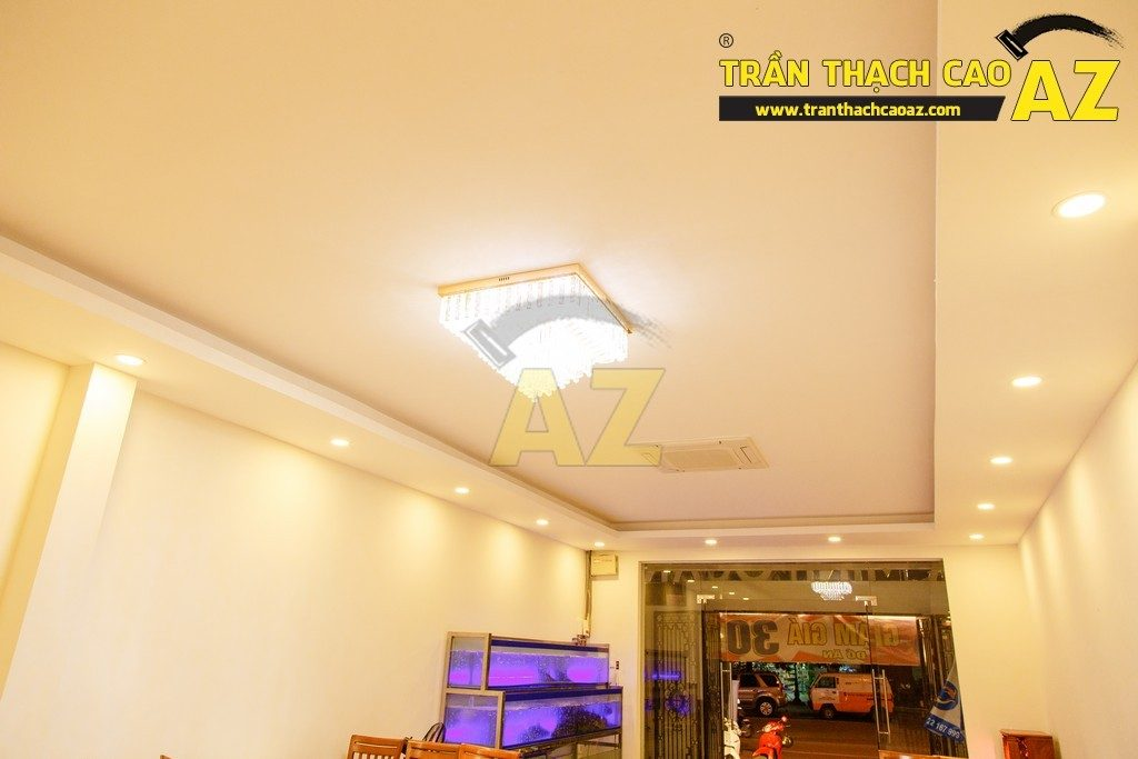 Thiết kế trần thạch cao đẹp sang trọng của nhà hàng Cá Minh Quân - 08