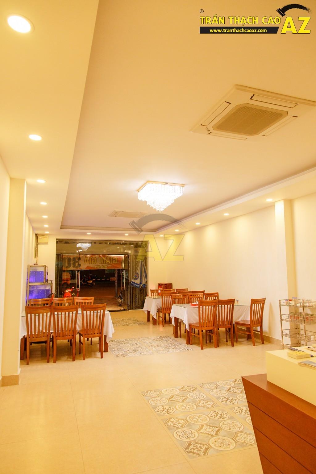 Thiết kế trần thạch cao đẹp sang trọng của nhà hàng Cá Minh Quân - 02