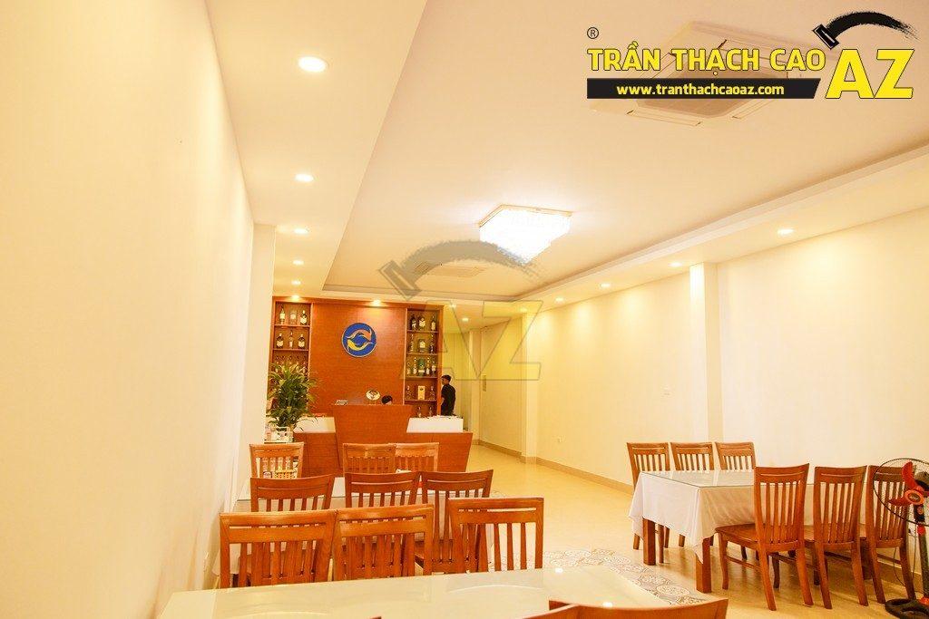 Thiết kế trần thạch cao đẹp sang trọng của nhà hàng Cá Minh Quân - 06