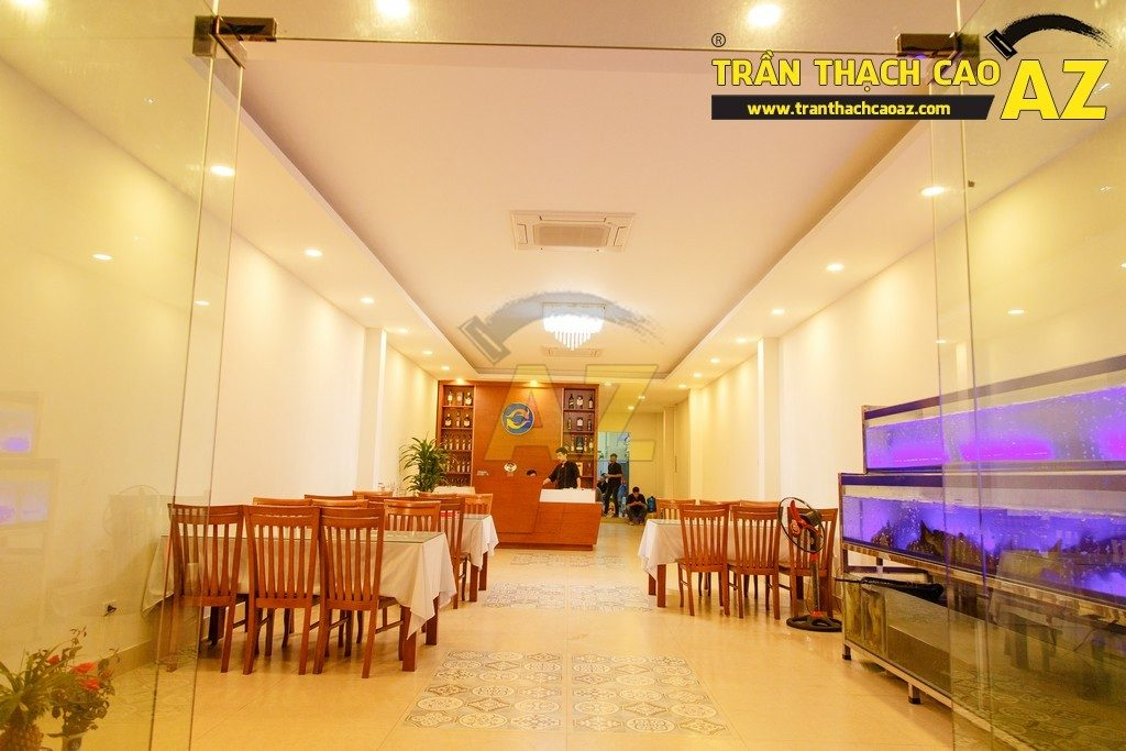 Thiết kế trần thạch cao đẹp sang trọng của nhà hàng Cá Minh Quân - 11
